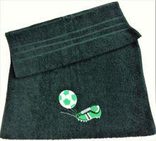 Osuška s výšivkou fotbalové kopačky a míče + jméno 70x140 tm.zelená