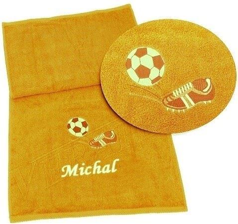 Osuška s výšivkou fotbalové kopačky a míče + jméno 70x140 sytě žlutá