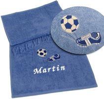 Osuška s výšivkou fotbalové kopačky a míče + jméno 70x140 král.modř (zakázkový produkt dodání do 14 dní)