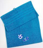Ručník s výšivkou fotbalové kopačky a míče 50x100 azurově modrá (zakázkový produkt dodání do 14 dní)